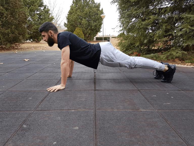 Entrenar en casa: posicion flexion final